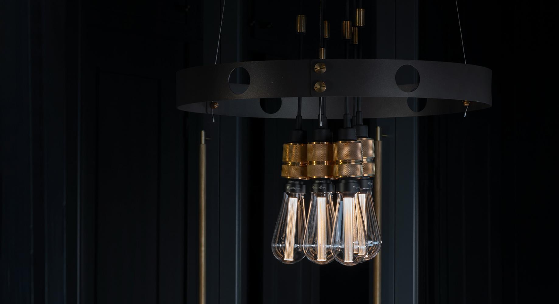 Hooked pendant wall lighting LED bulb