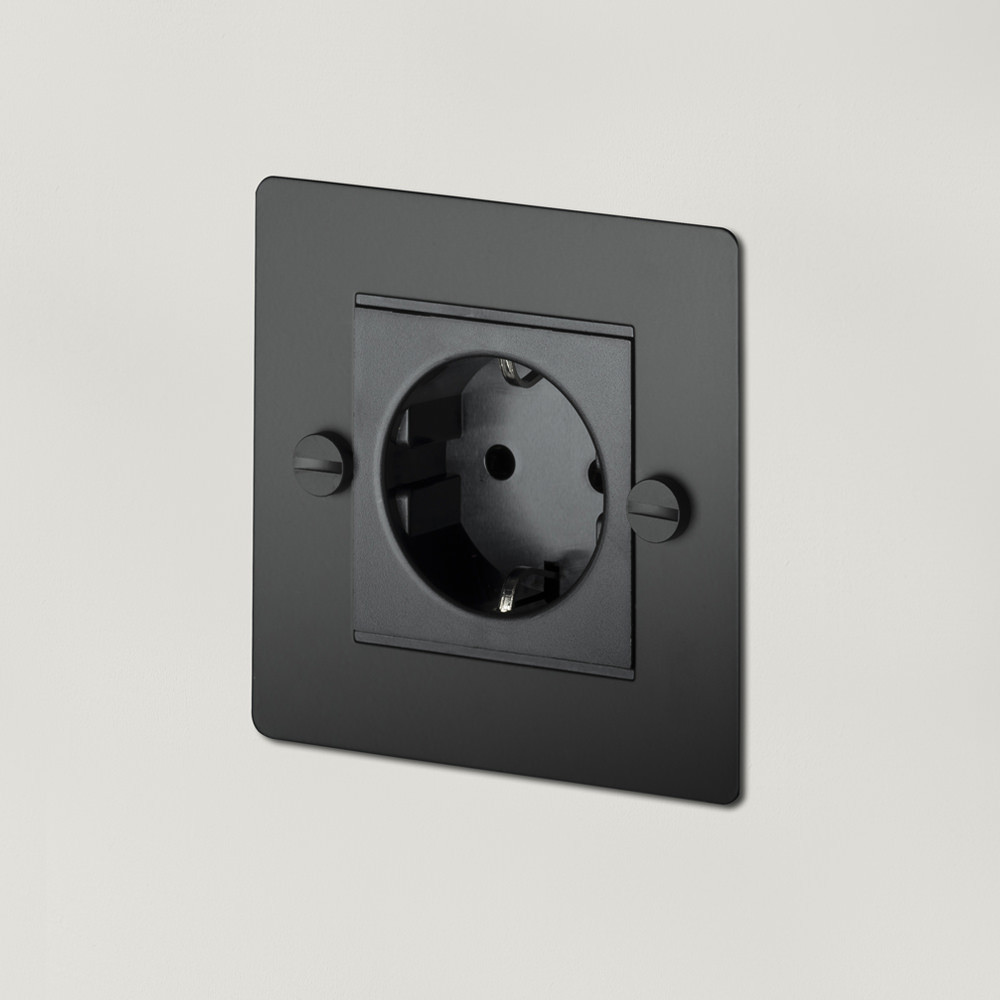 1G EURO SOCKET / BLACK