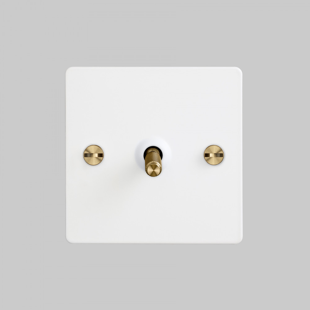 1G TOGGLE SWITCH / WHITE / BRASS