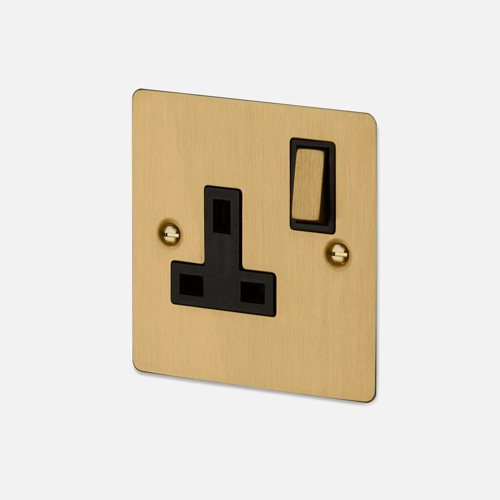 1G UK PLUG SOCKET / BRASS