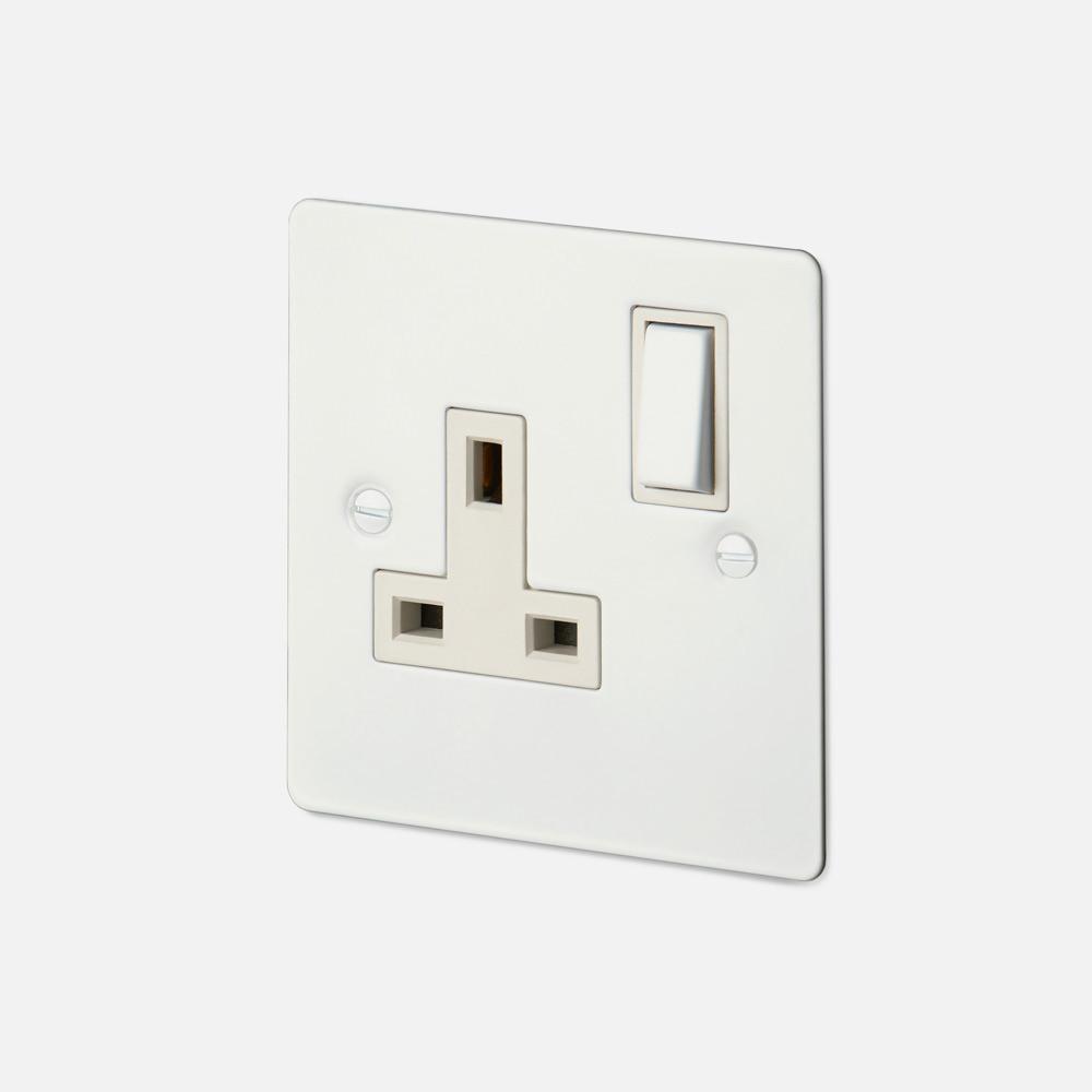 1G UK PLUG SOCKET / WHITE