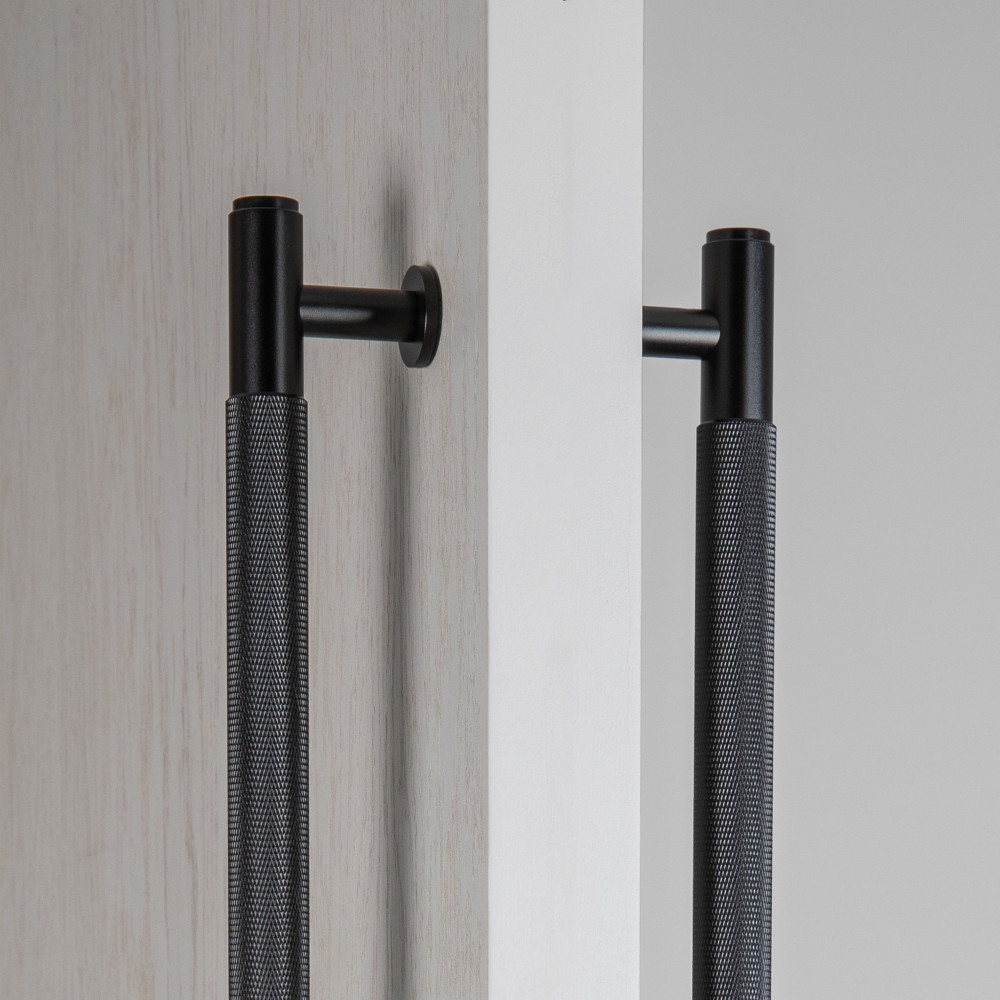 PULL BAR / DOUBLE-SIDED / BLACK