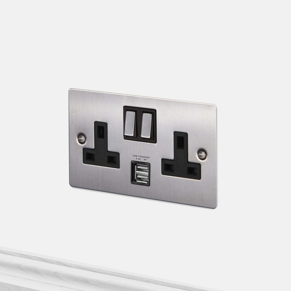 2G UK PLUG SOCKET / USB / STEEL