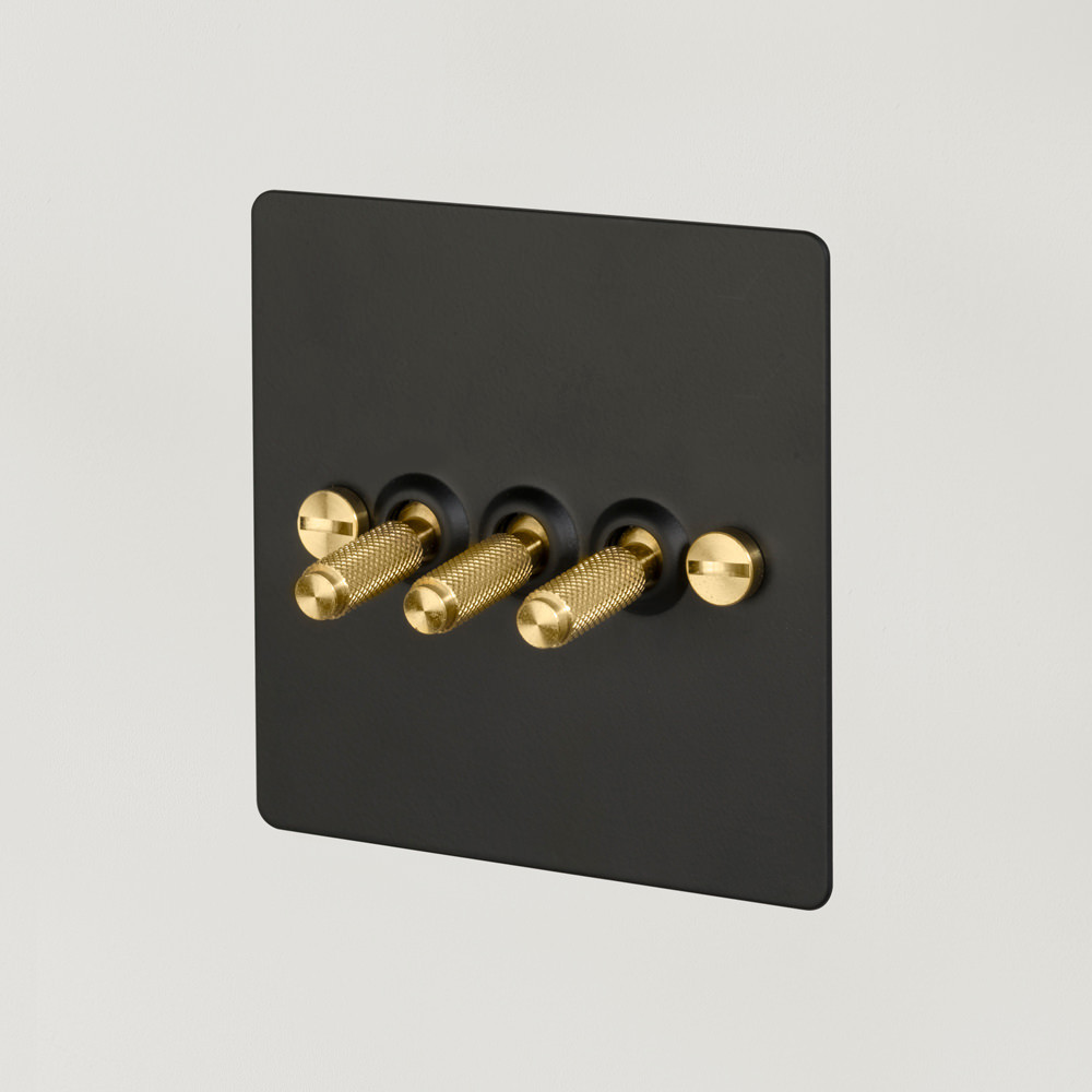 3G TOGGLE SWITCH / BLACK / BRASS