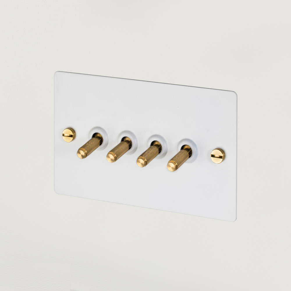 4G TOGGLE SWITCH / WHITE / BRASS