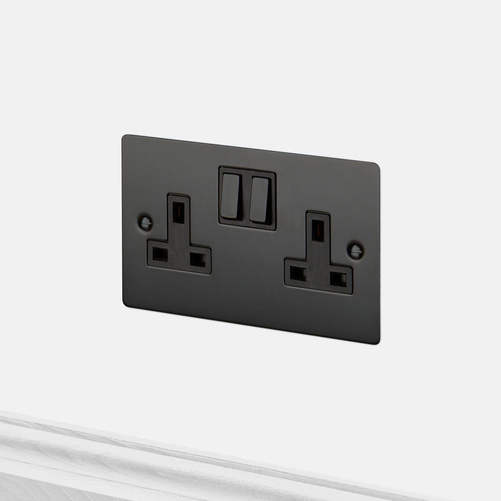 2g uk plug socket black. Black Bedroom Furniture Sets. Home Design Ideas