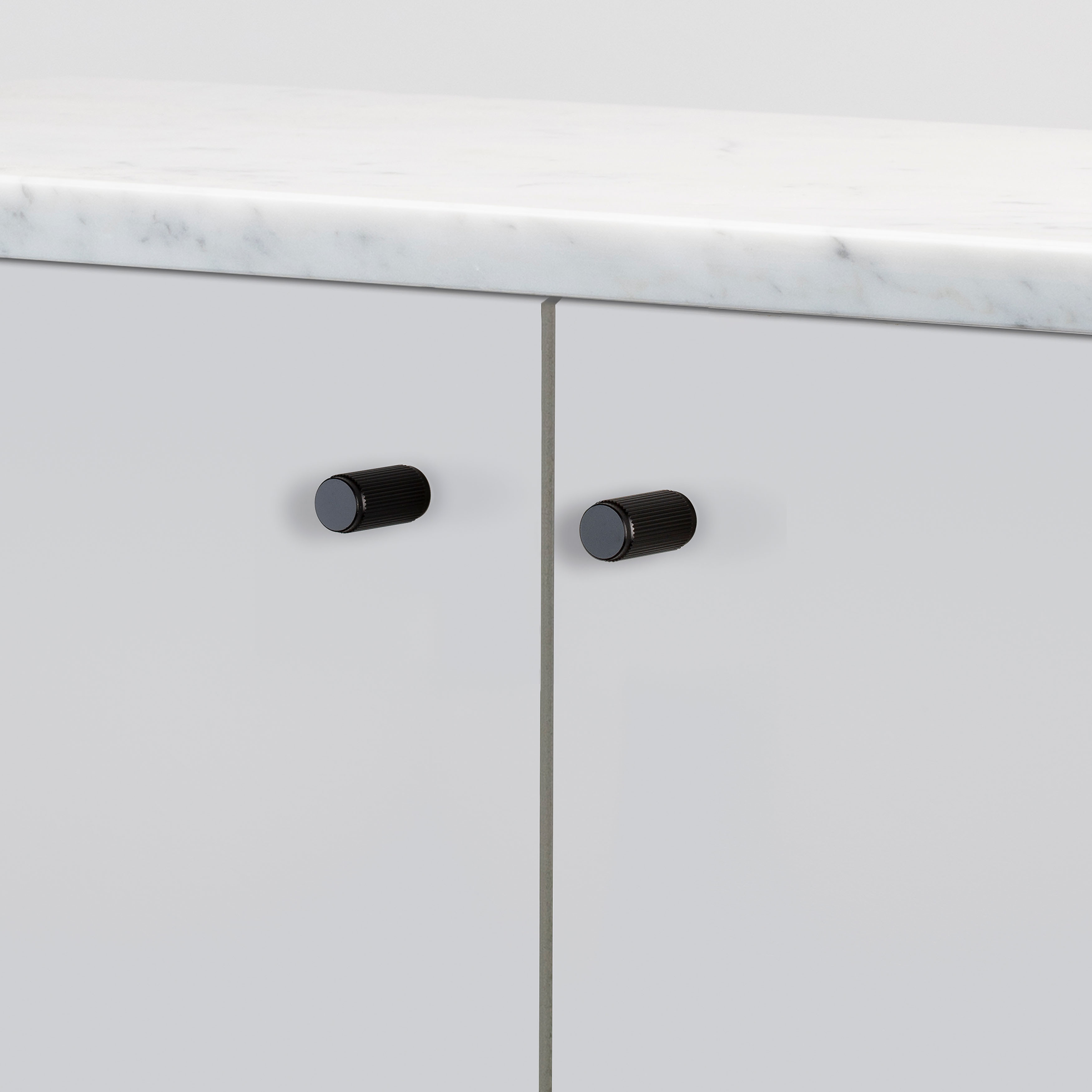 FURNITURE KNOB / LINEAR / BLACK