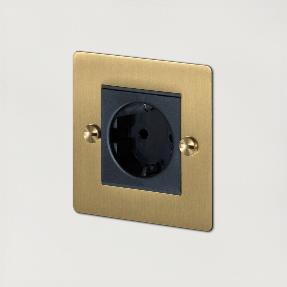 1G EURO SOCKET / BRASS