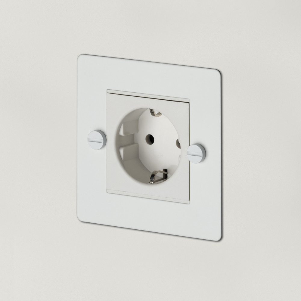 1G EURO SOCKET / WHITE