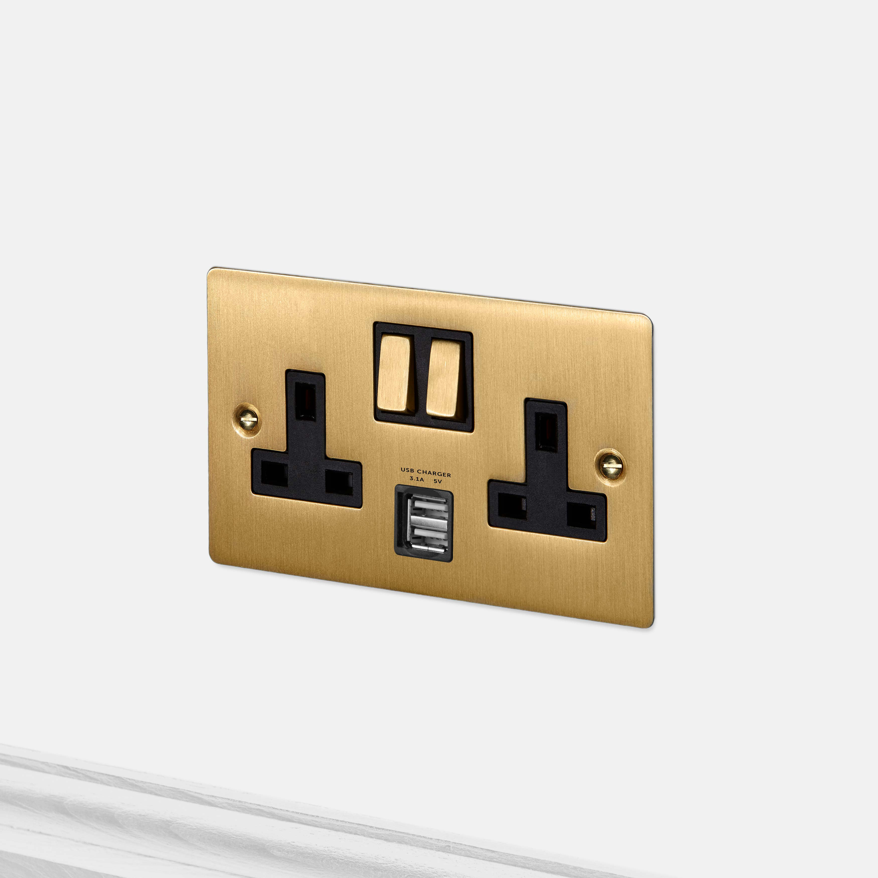 2G UK PLUG SOCKET / USB / BRASS