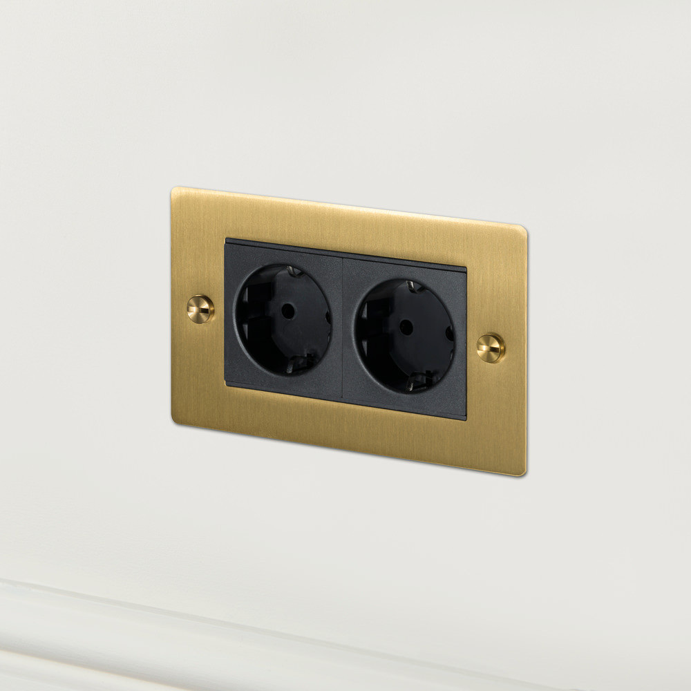 2G EURO SOCKET / BRASS