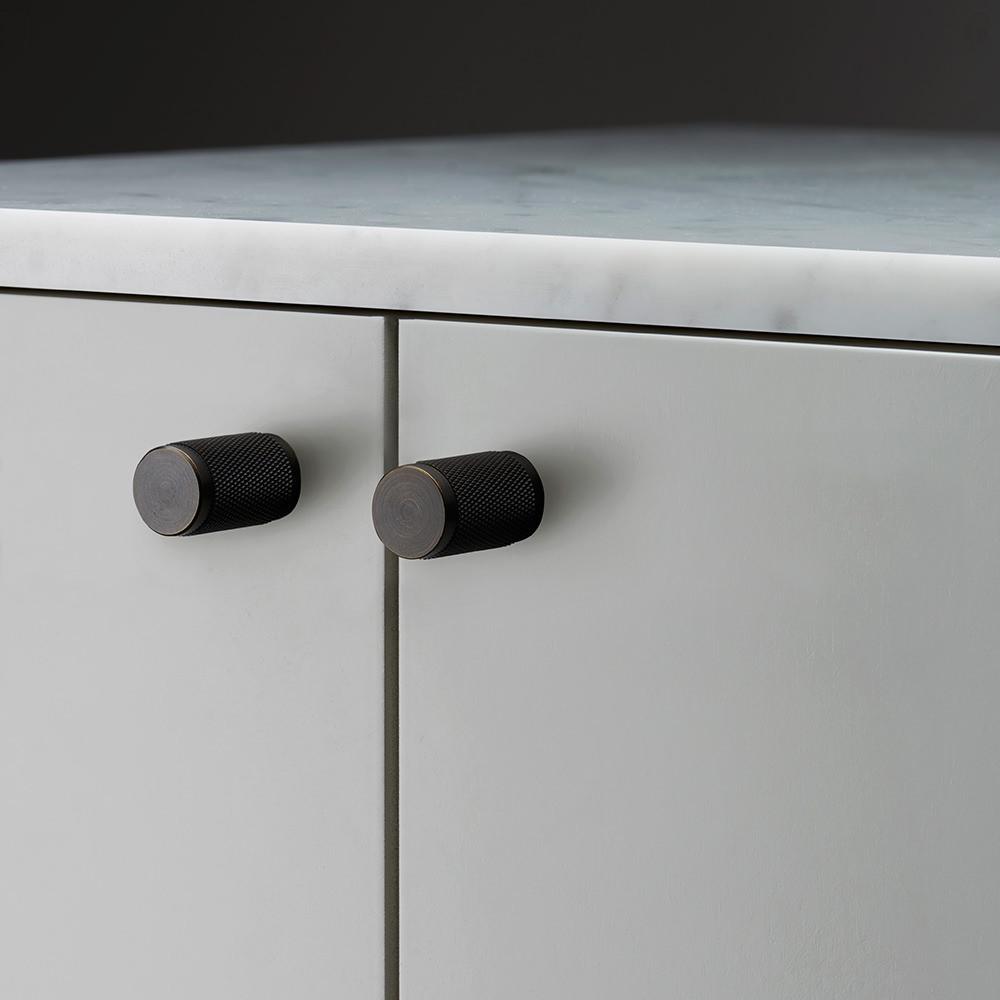Furniture knob smoked bronze