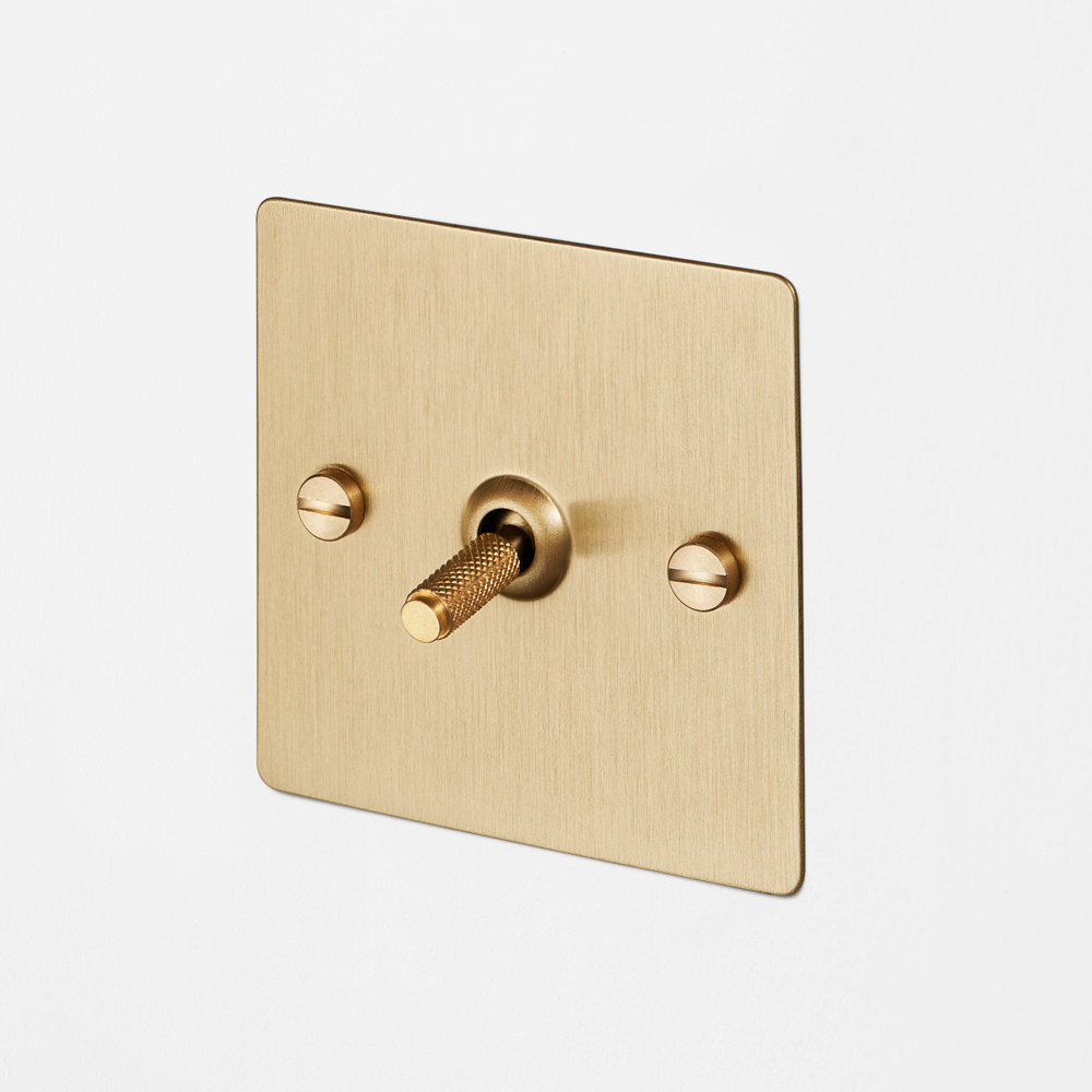 1G INTERMEDIATE TOGGLE SWITCH / BRASS