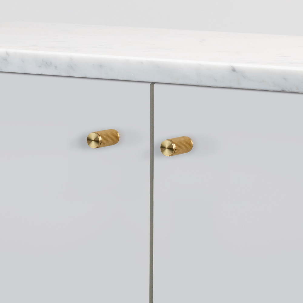 FURNITURE KNOB / LINEAR / BRASS