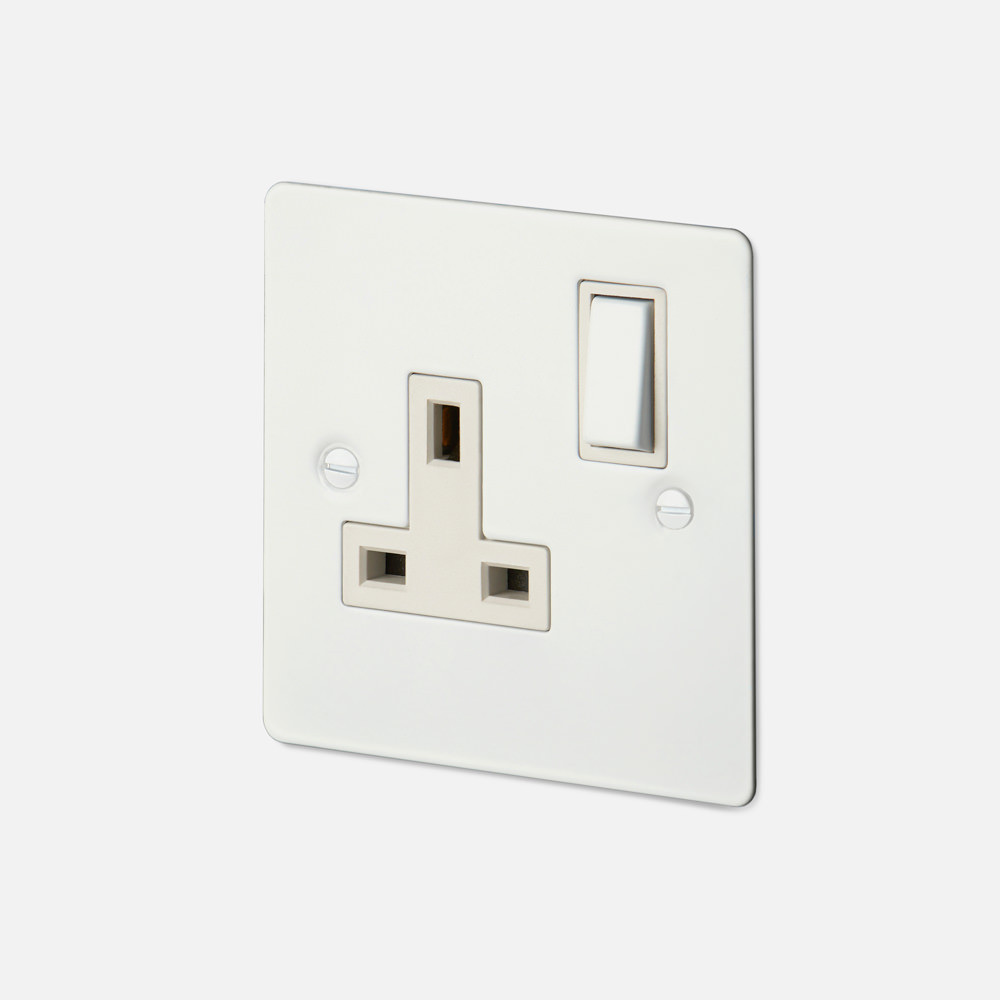 1G UK PLUG SOCKET / WHITE