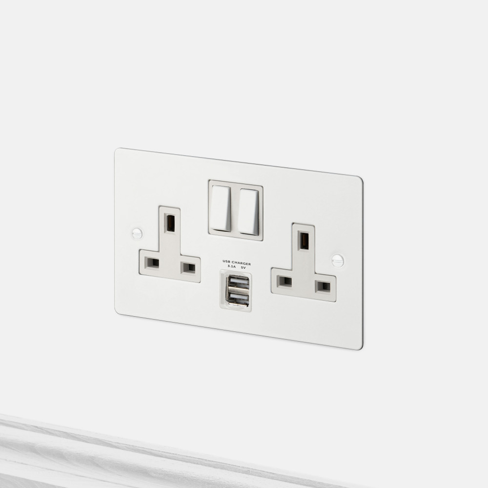 2G UK PLUG SOCKET / USB / WHITE