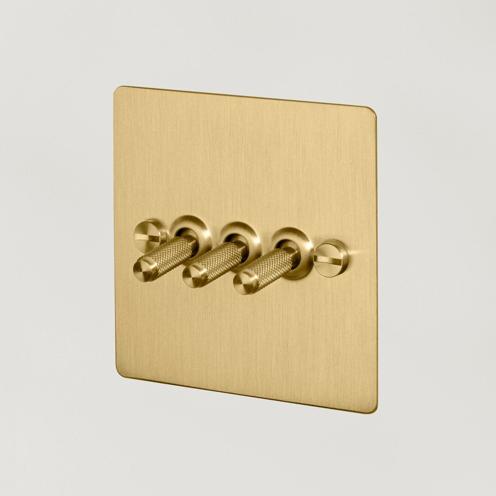 3G TOGGLE SWITCH / BRASS