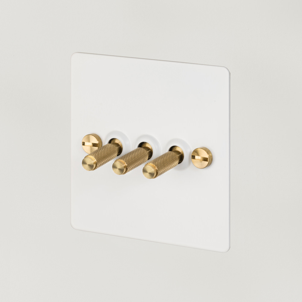 3G TOGGLE SWITCH / WHITE / BRASS