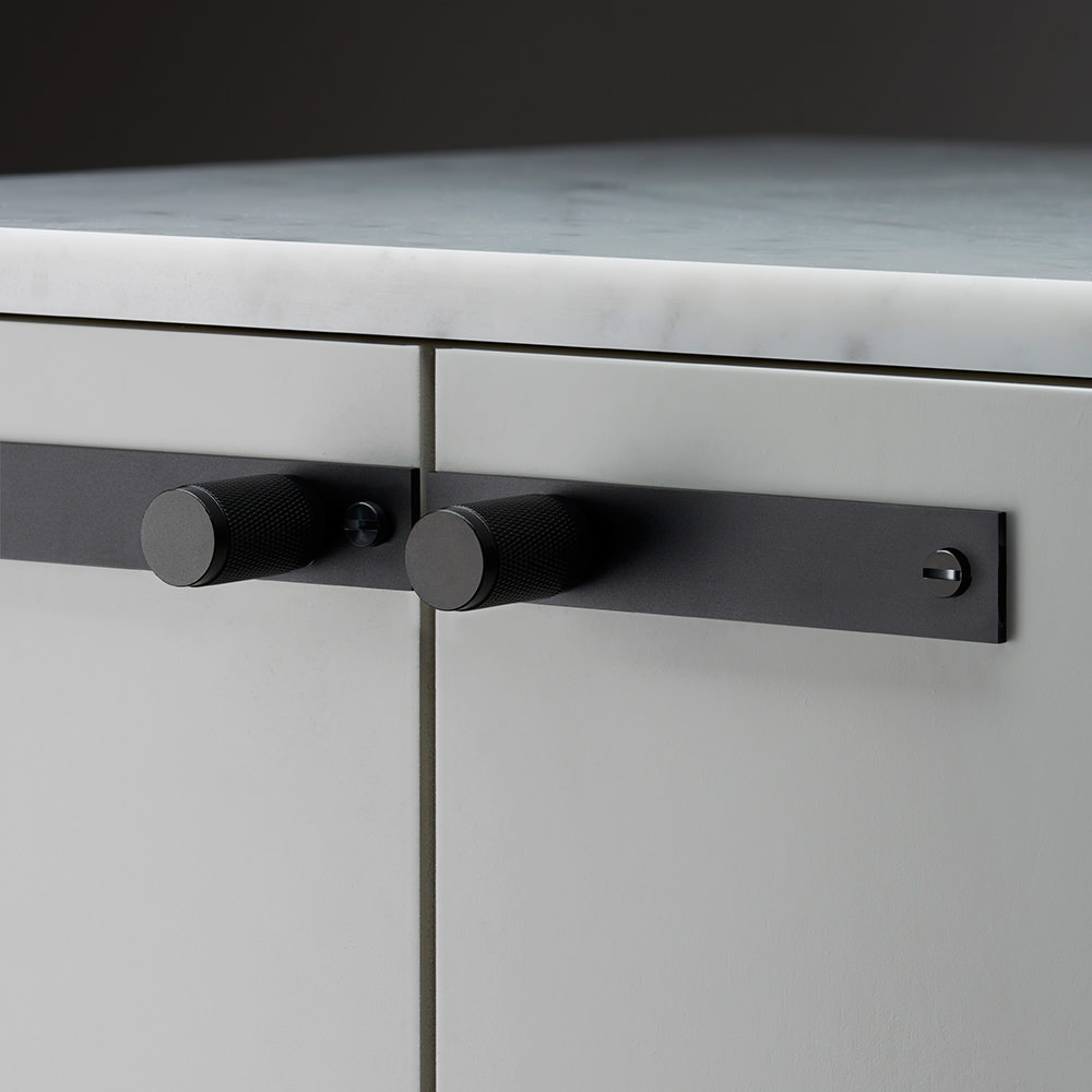 Cabinet furniture handle in Black