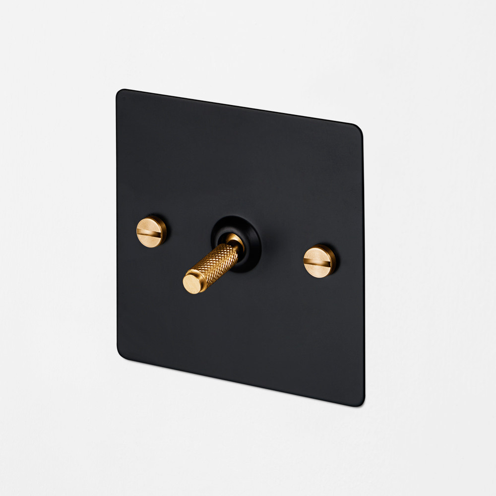 1G INTERMEDIATE TOGGLE SWITCH / BLACK / BRASS