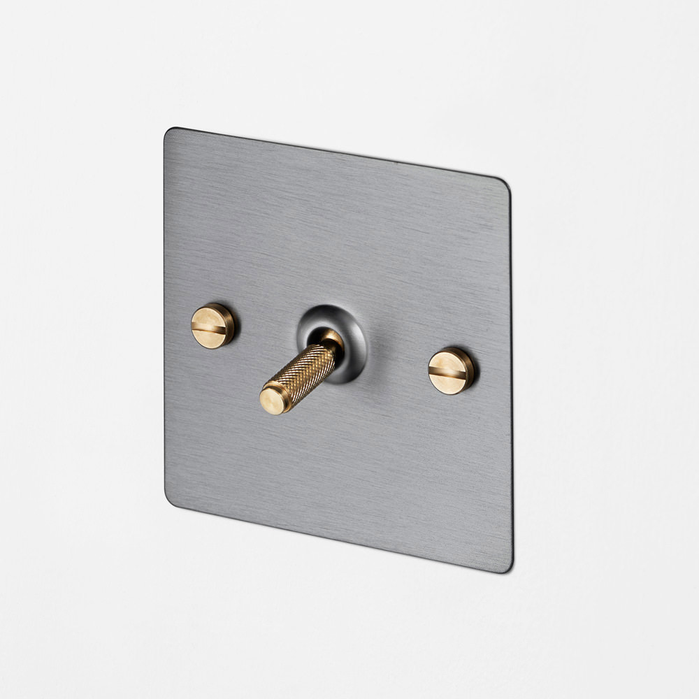 1G INTERMEDIATE TOGGLE SWITCH / STEEL / BRASS