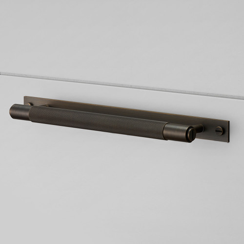 PULL BAR / PLATE / SMOKED BRONZE
