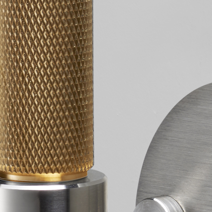 Solid metal T-BAR / plate in steel & brass with our signature knurling