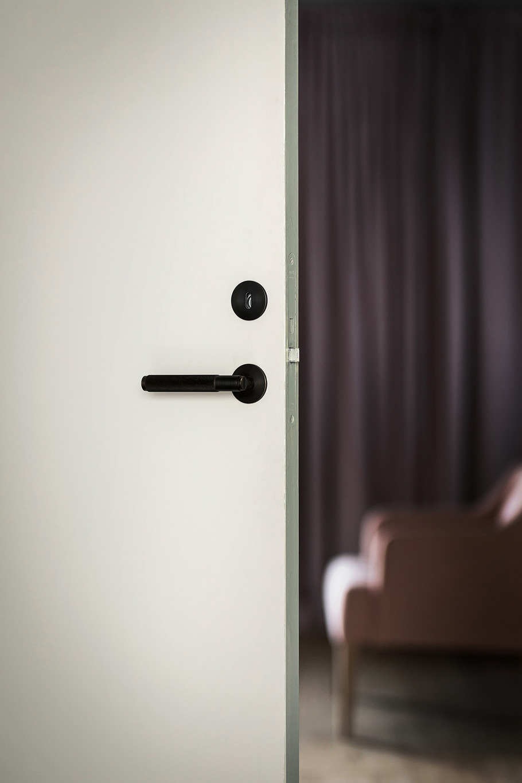 Shop DOOR LEVER HANDLE / smoked bronze