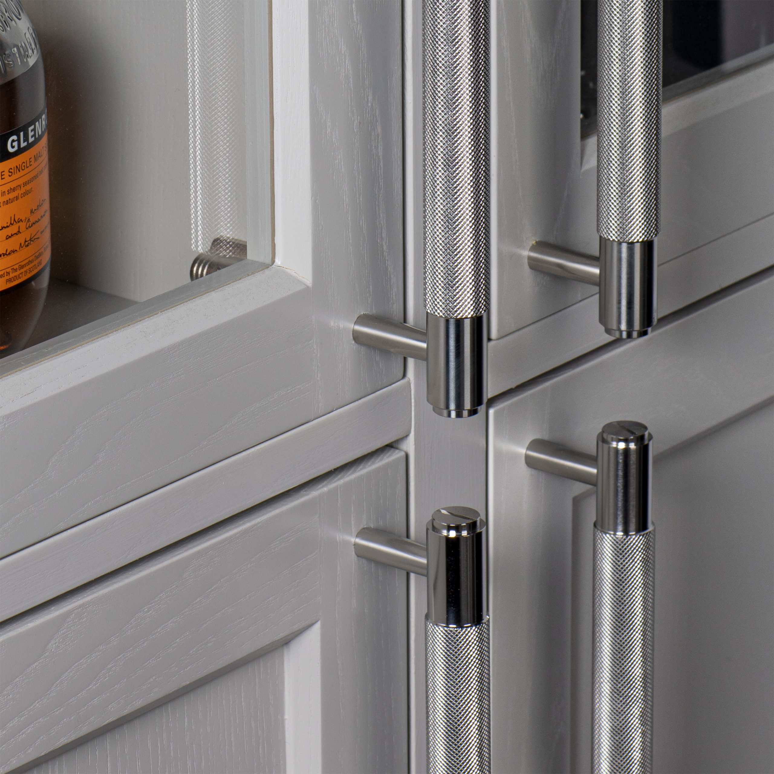 6. Buster+Punch_Pull-Bar_Steel_detail