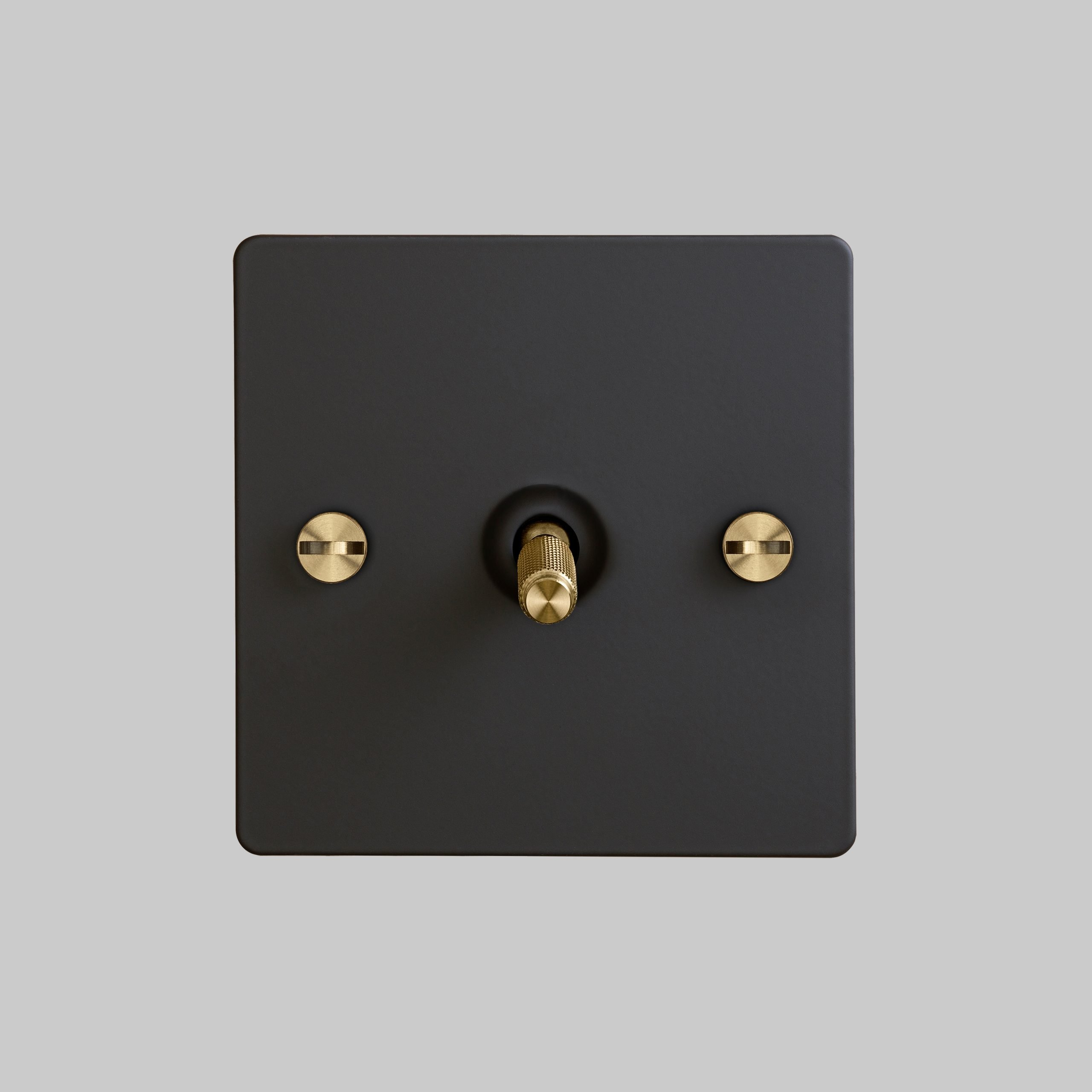 2. 1G_Toggle_Front_Black_Brass