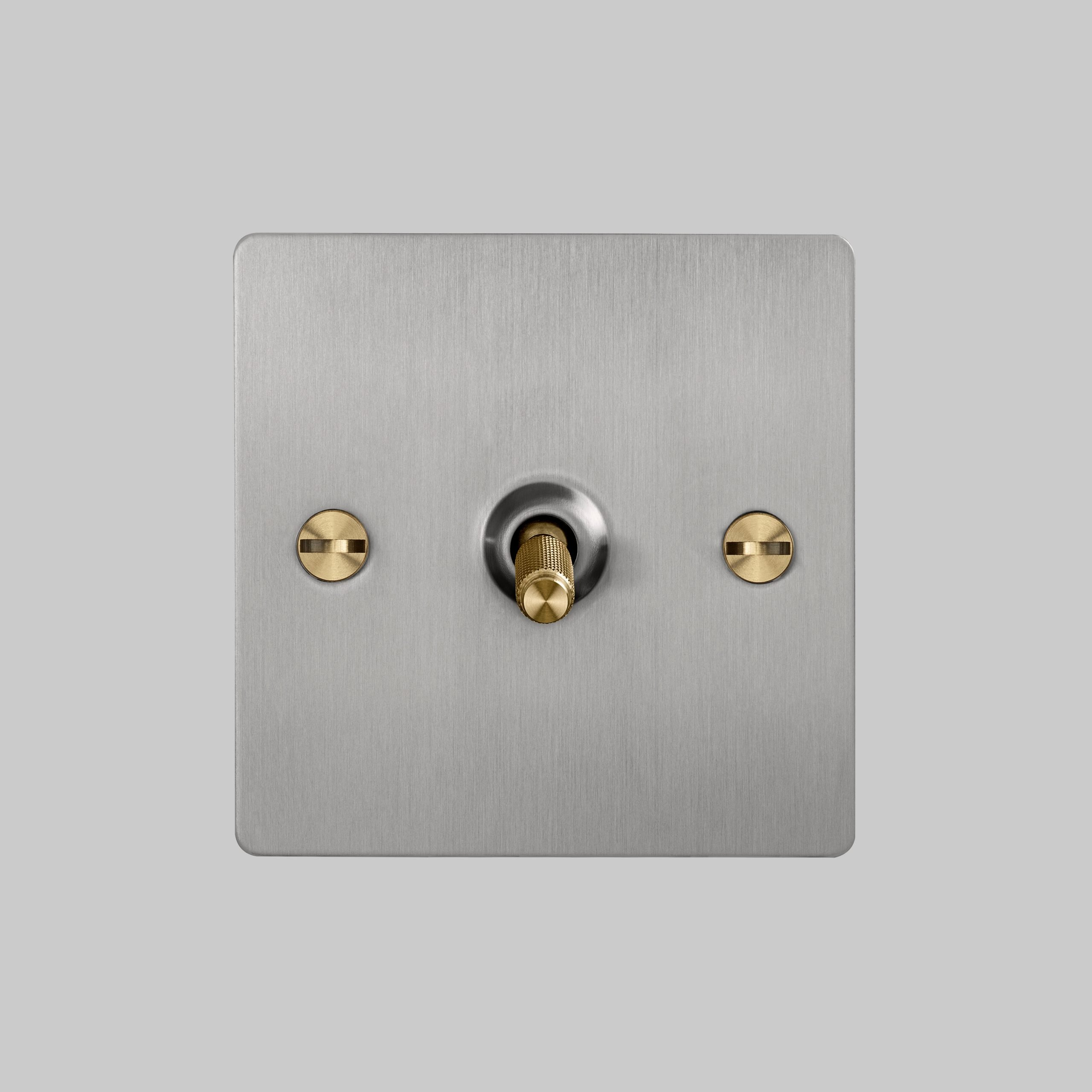 2. 1G_Toggle_Front_Steel_Brass