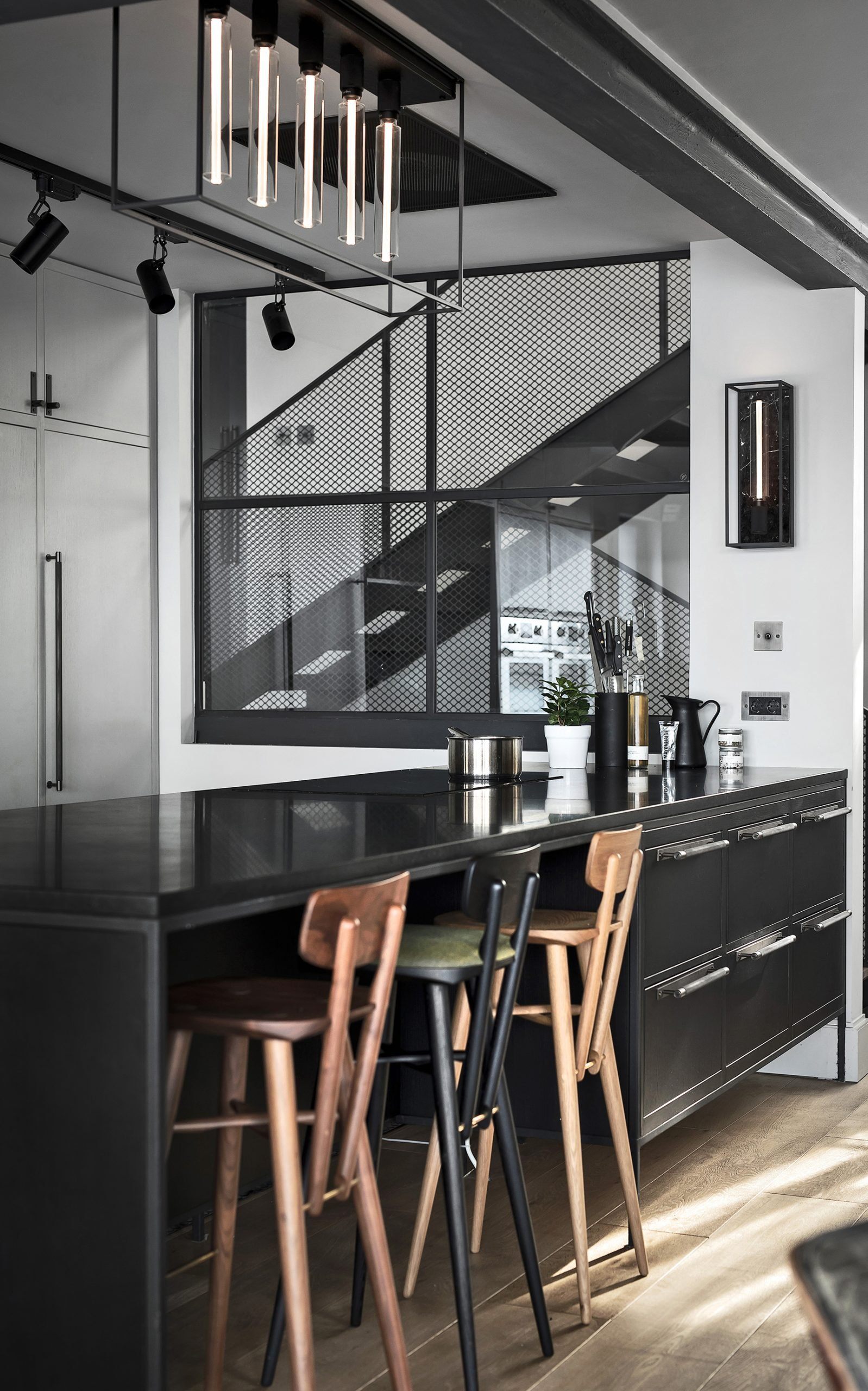 BusterPunch_Caged-5.0_Caged-Wall_Large_White-Marble_Pull-Bar_Smoked-Bronze_Kitchen