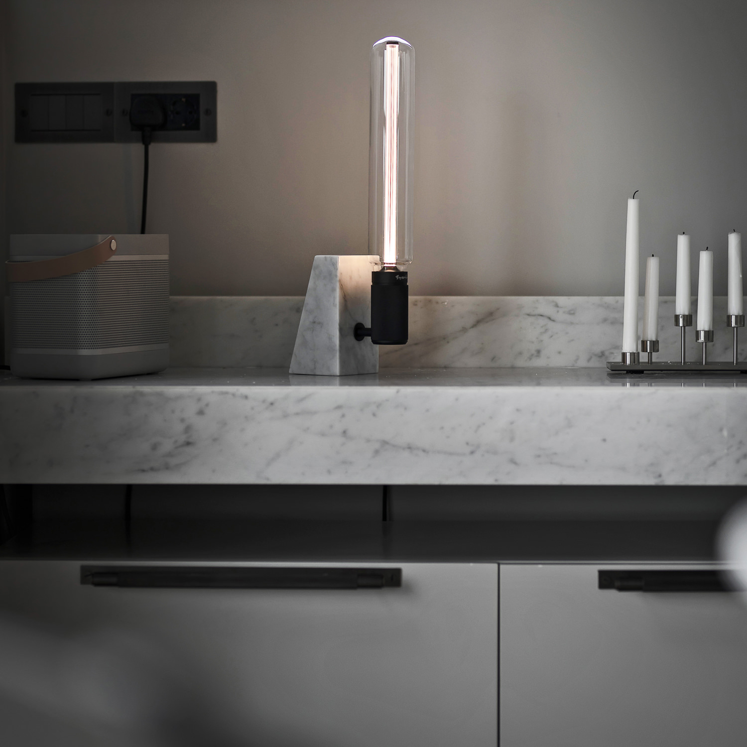 buster-_-punch-stoned-table-light-polished-white-marble-machined-steel-candelabra-pull-bar-large-plate-smoked-bronze-lifestyle-interior-for-web_3_1.jpg