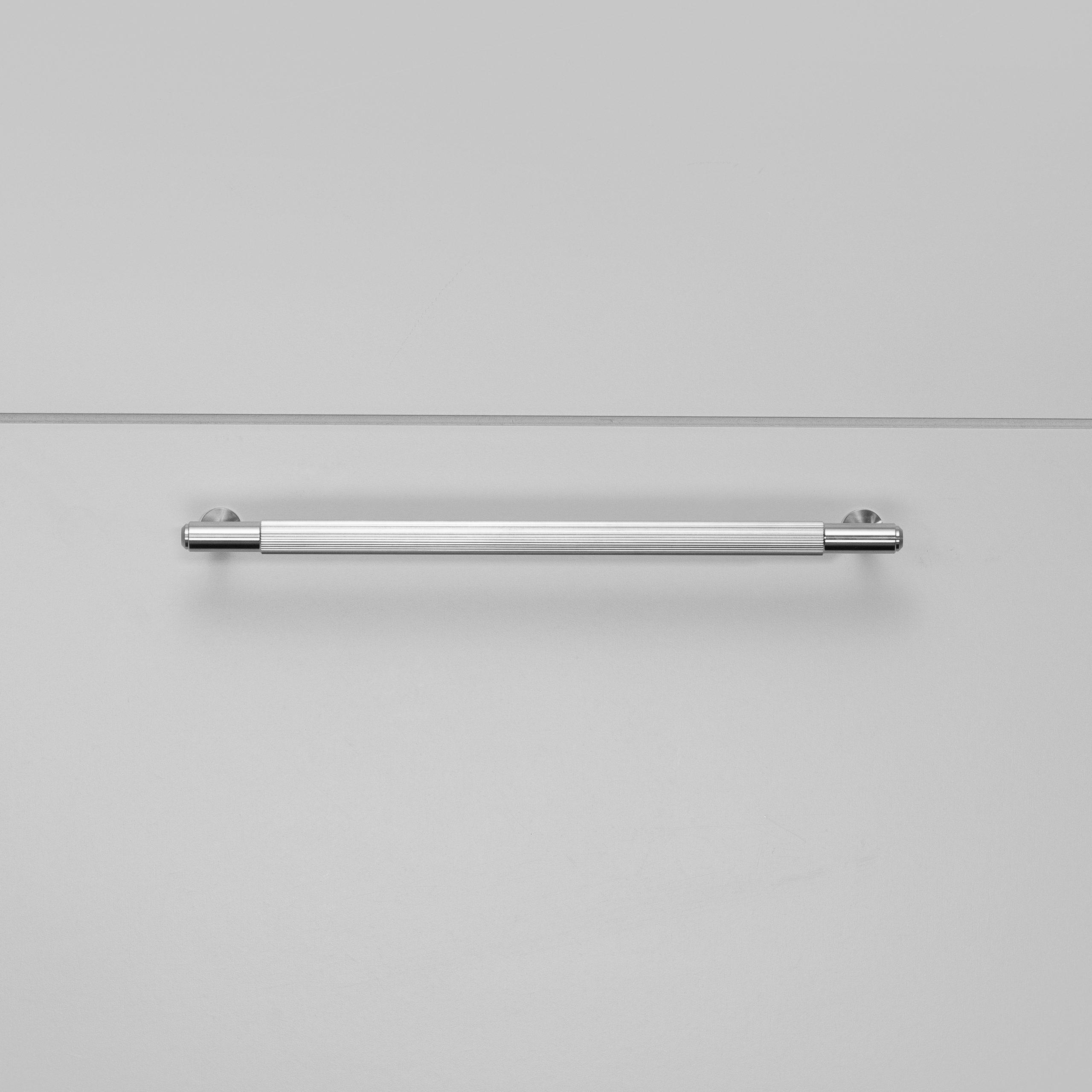 2.Buster+Punch_Pull_Bar_Medium_Linear_Steel_Front