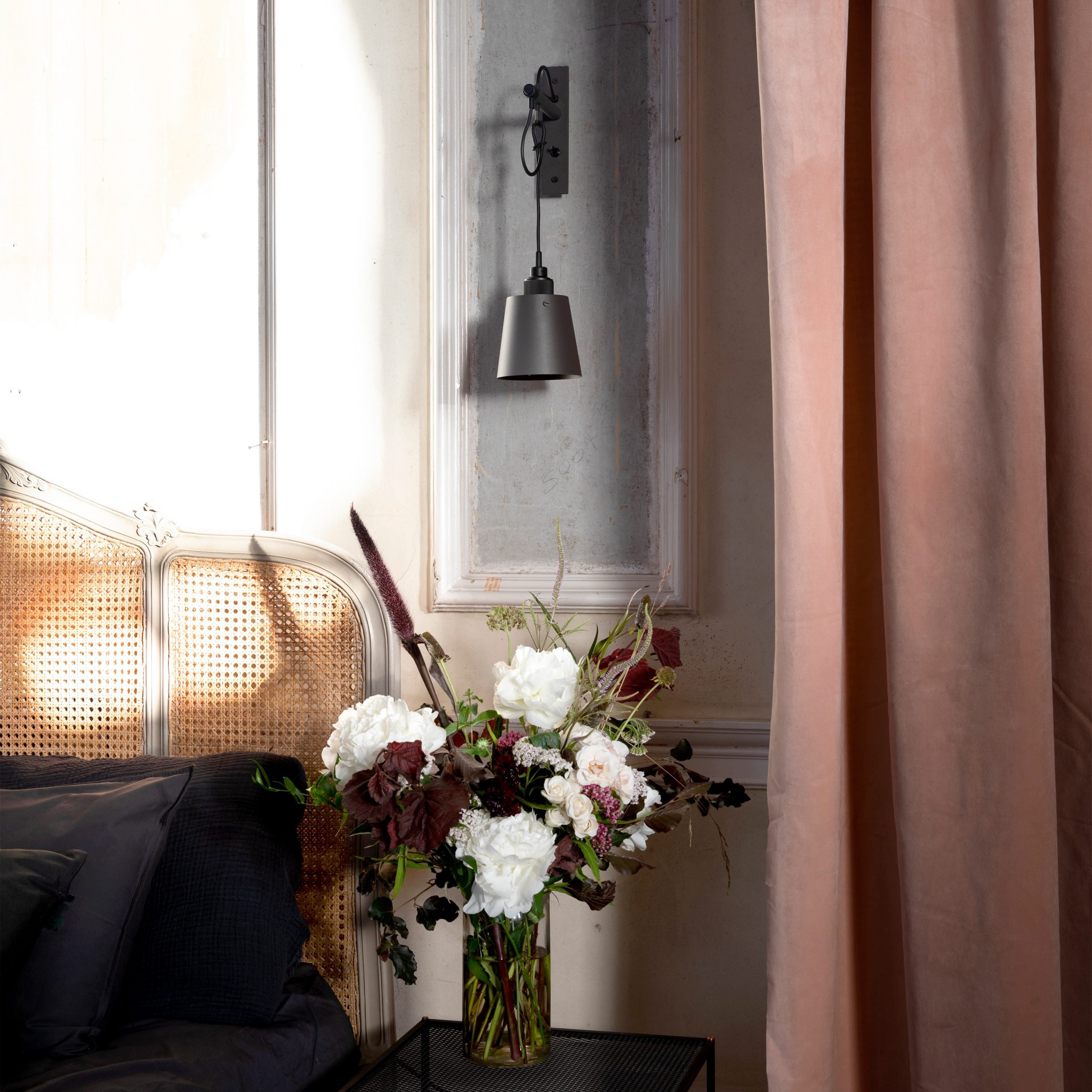 5.-BusterPunch_Hooked_Wall_Small_Graphite_Smoked_Bronze_Lifestyle_2-scaled