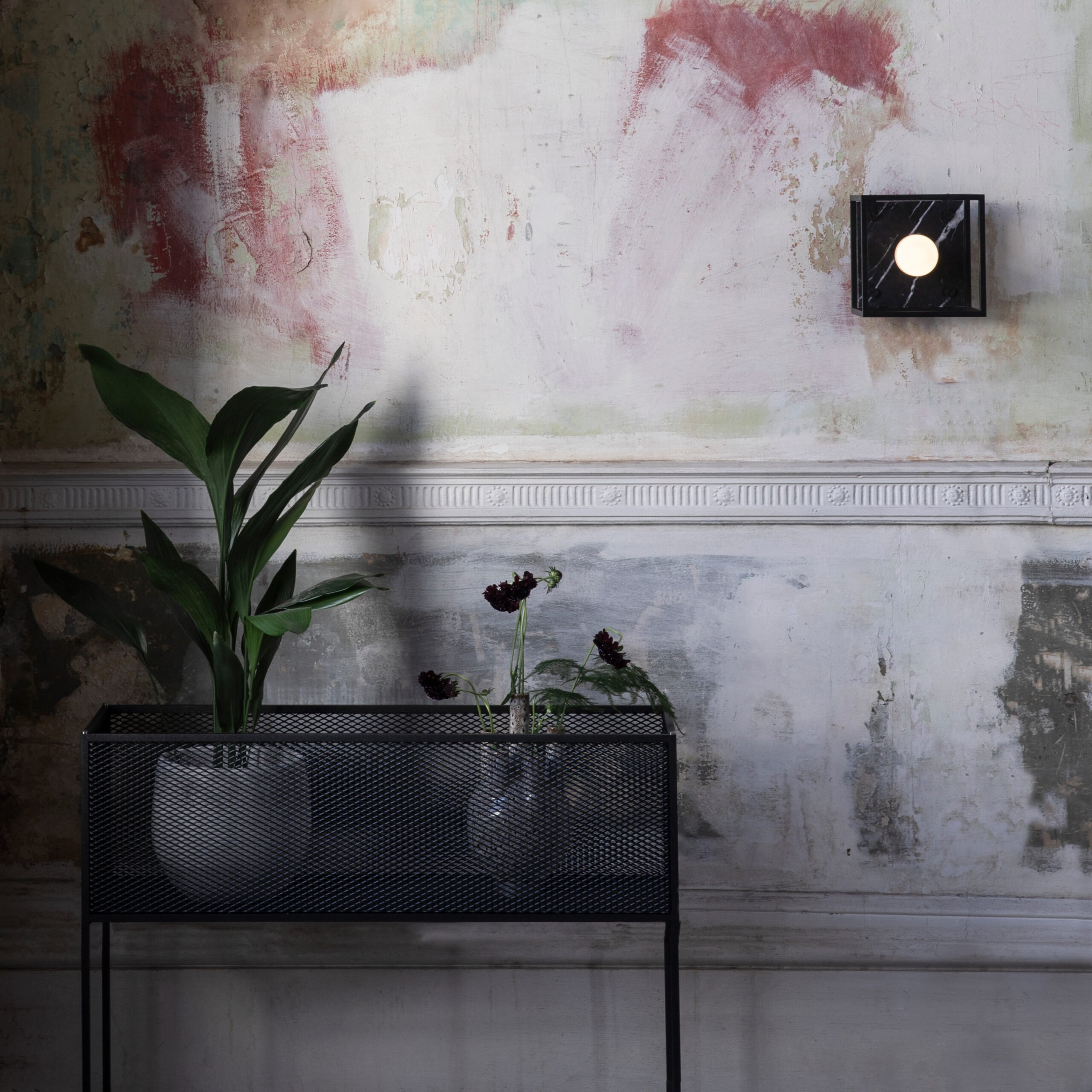 1-Buster+Punch_Meshed_Planter_Lifestyle_2