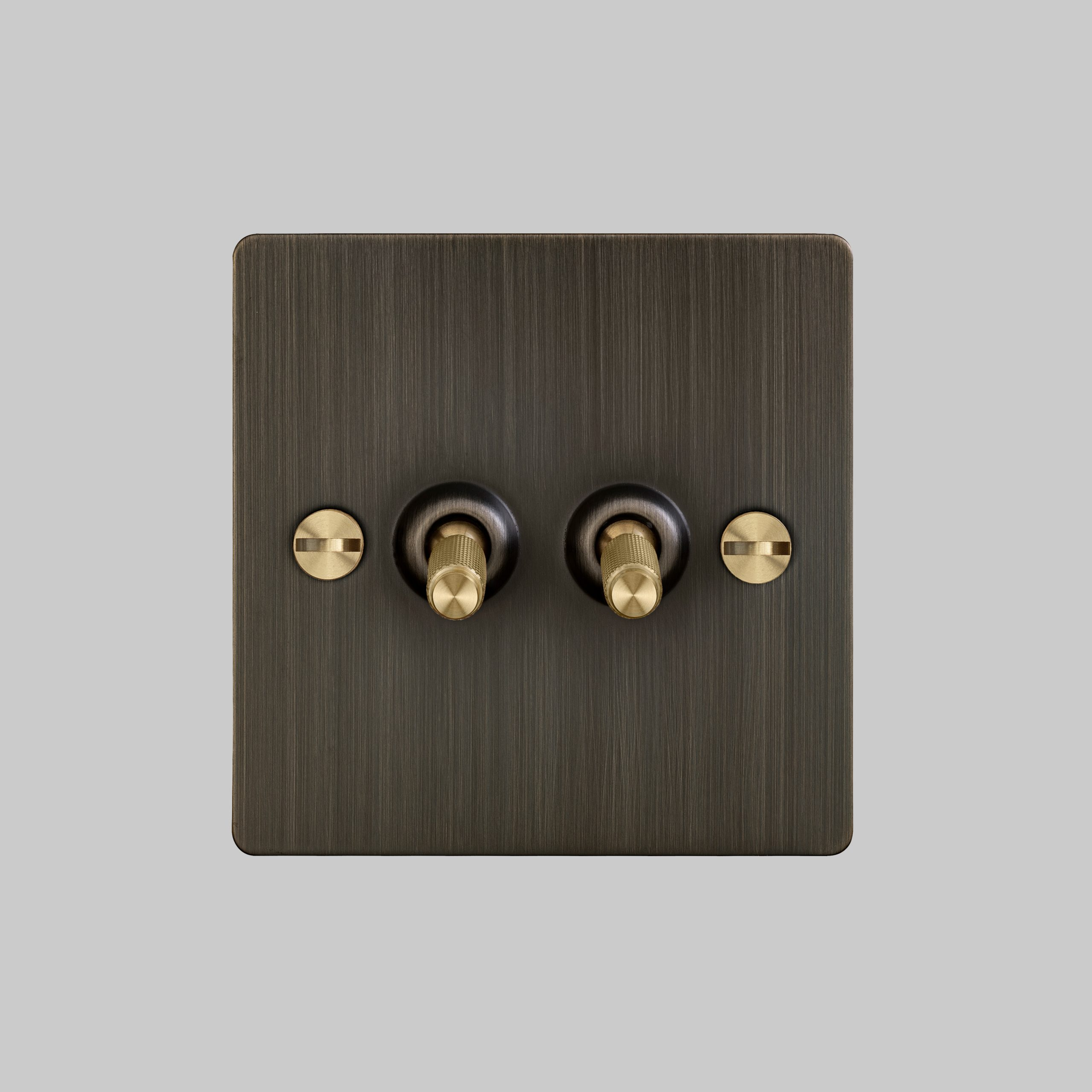 1. 2G_Toggle_Front_Smoked_Bronze_Brass
