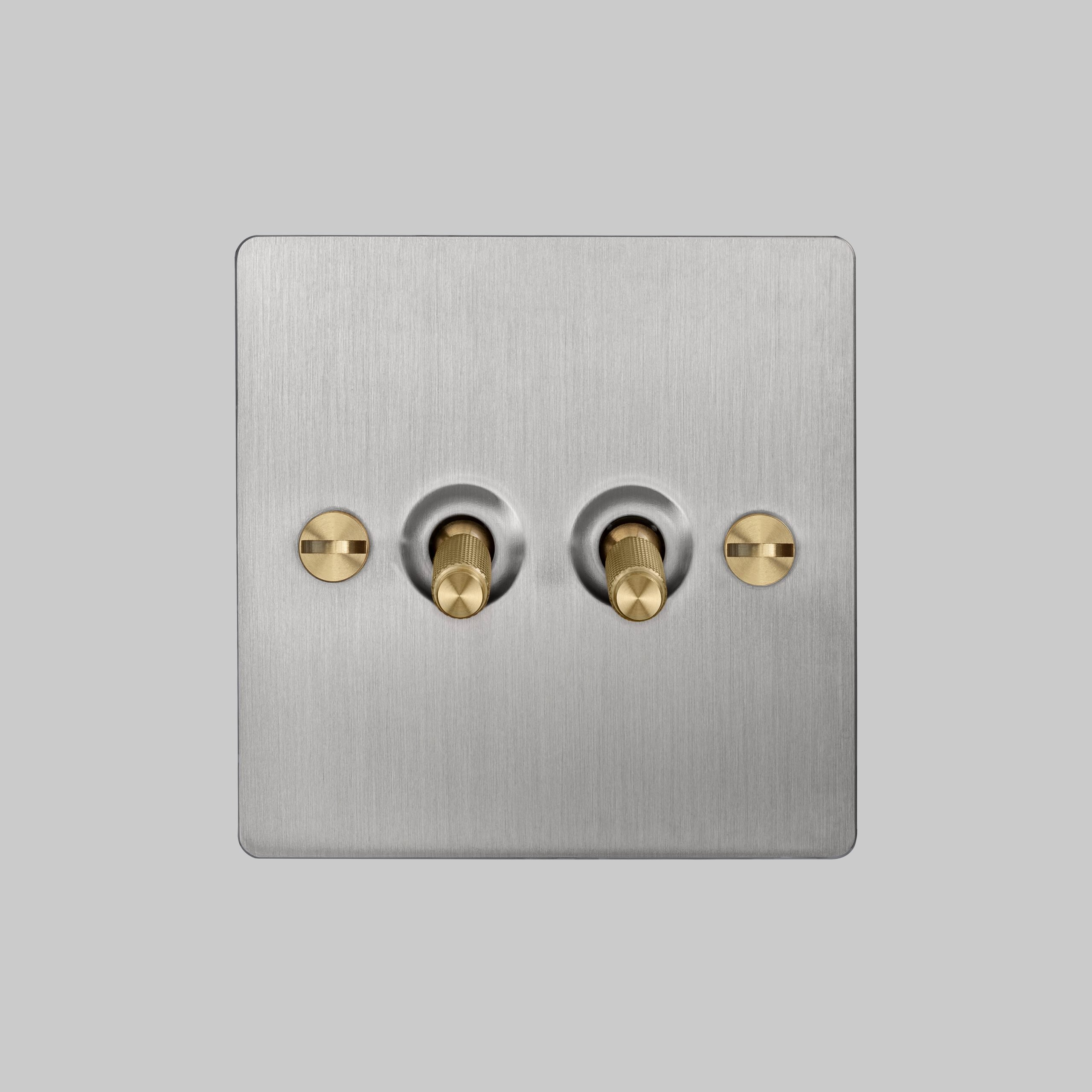 2. 2G_Toggle_Front_Steel_Brass