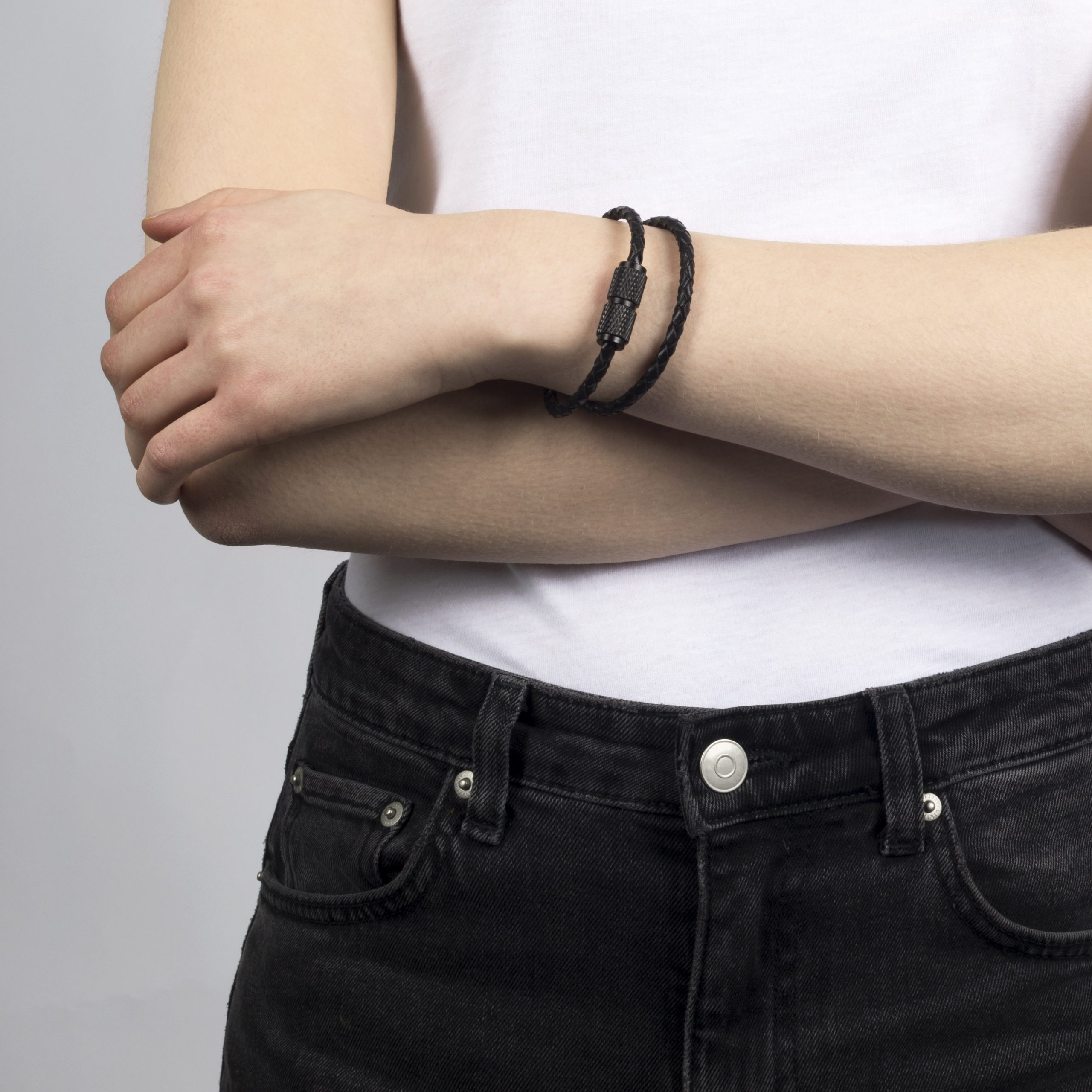 buster-_-punch-jewelry-double-bracelet-black-lifestyle_1_1