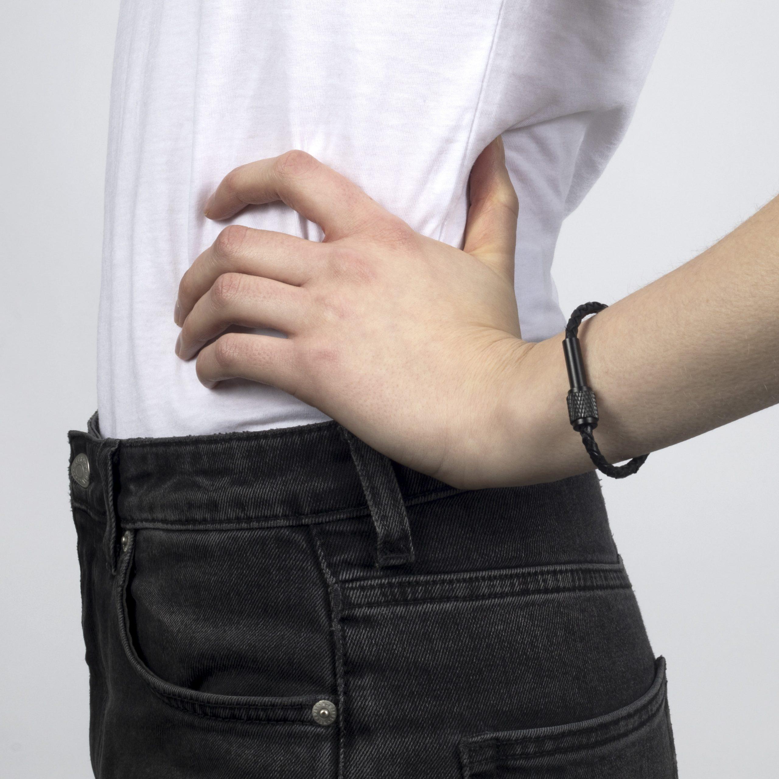 buster-_-punch-jewelry-single-bracelet-black-lifestyle