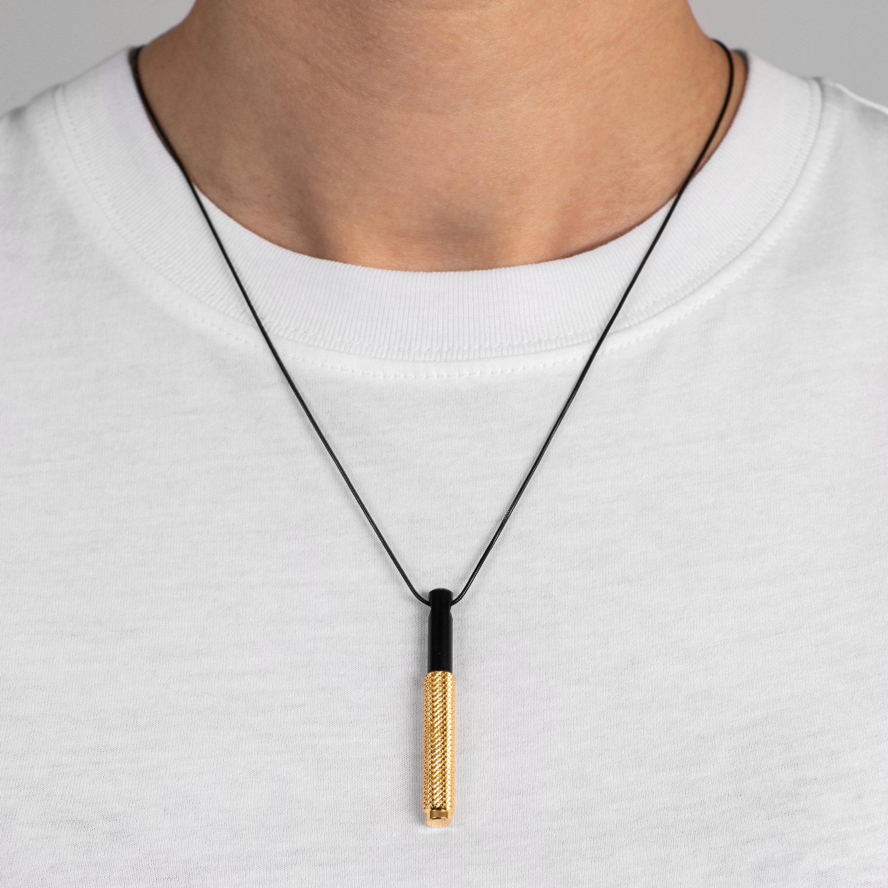 necklace_black_chain_gold_pendant