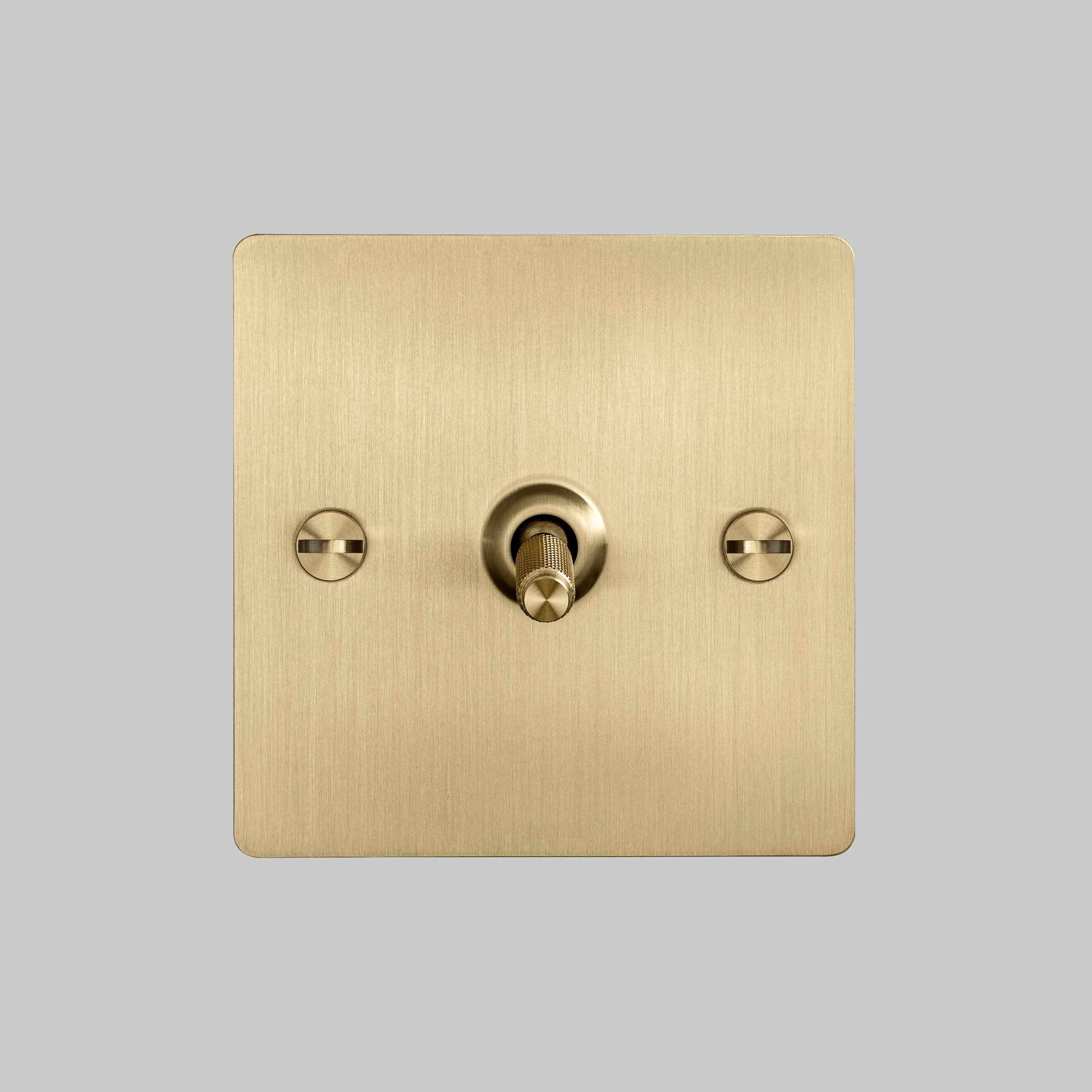 2. 1G_Toggle_Front_Brass