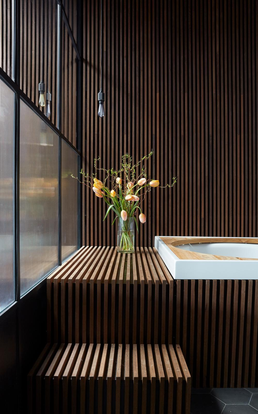 BusterPunch_Heavy-Metal_Smoked-Bronze_Buster-Bulb_Crystal_Bathroom_preview