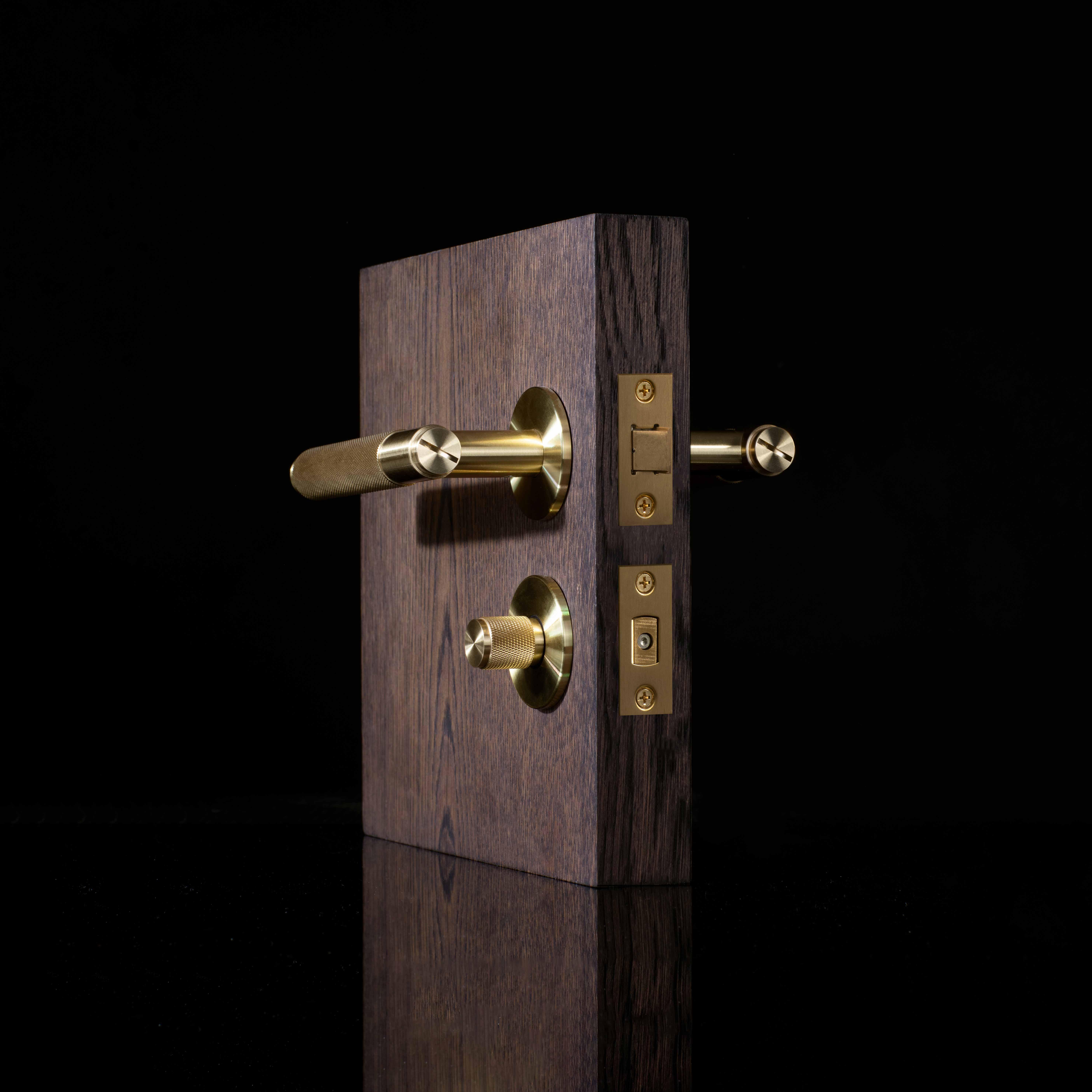 B+P_Door_Latch_Hardware_square