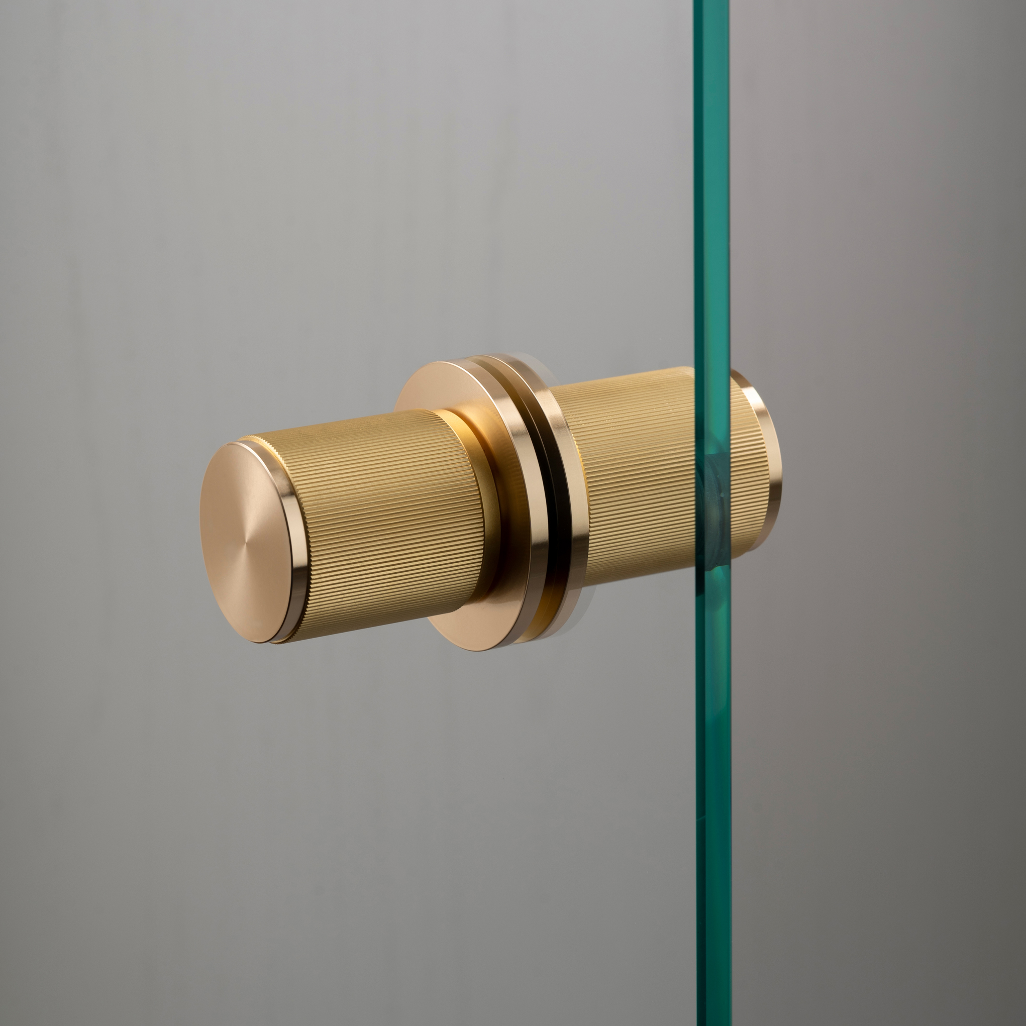 Door-knob_Fixed_Linear_Double-sided_Glass_Brass_A2_Web